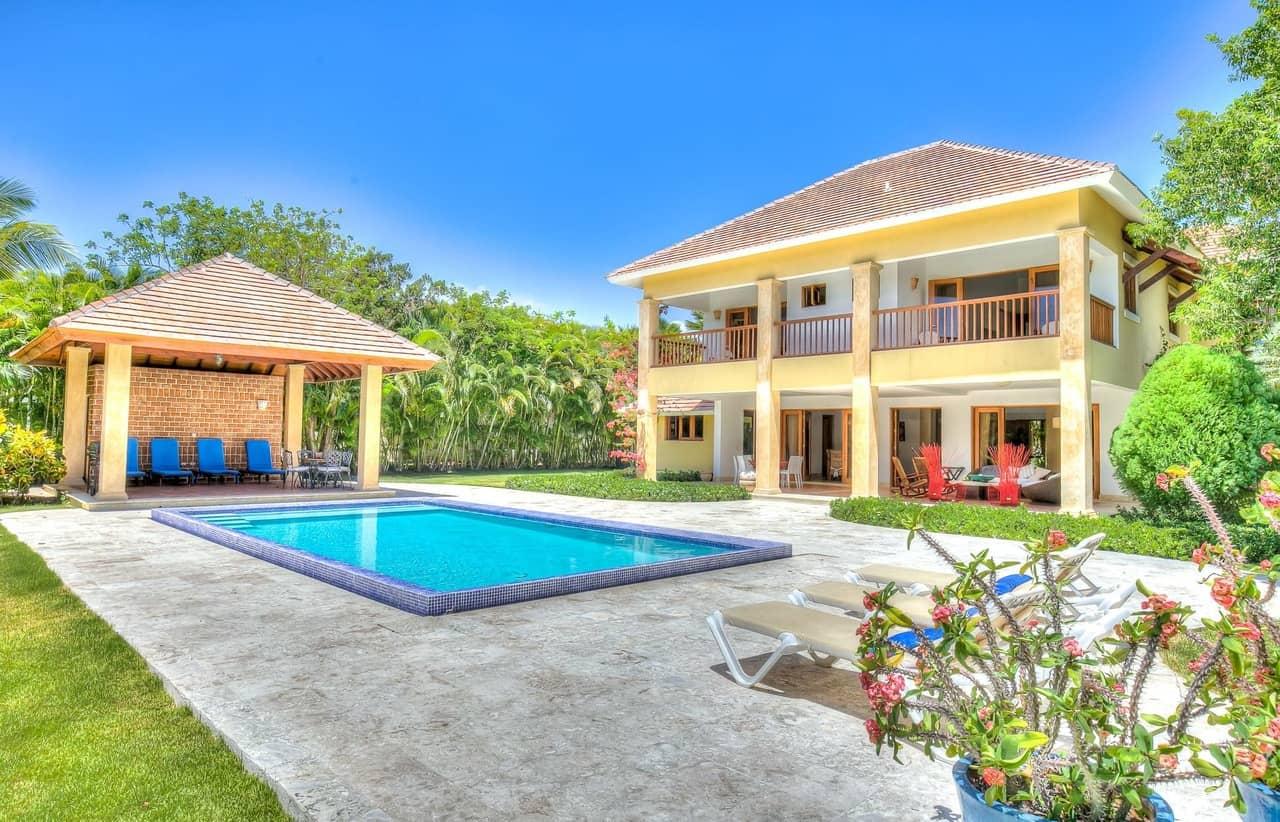 Villa tortuga bay c28 caribbean villa retreats booking for Punta cana villa rentals